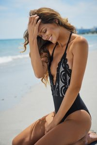 trendyzomer - PilyQ bikini collectie 2018 - lace badpak zwart