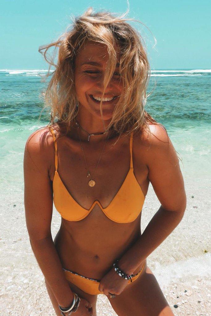 TET bikinitop Lieke bikinibroekje Carly geel