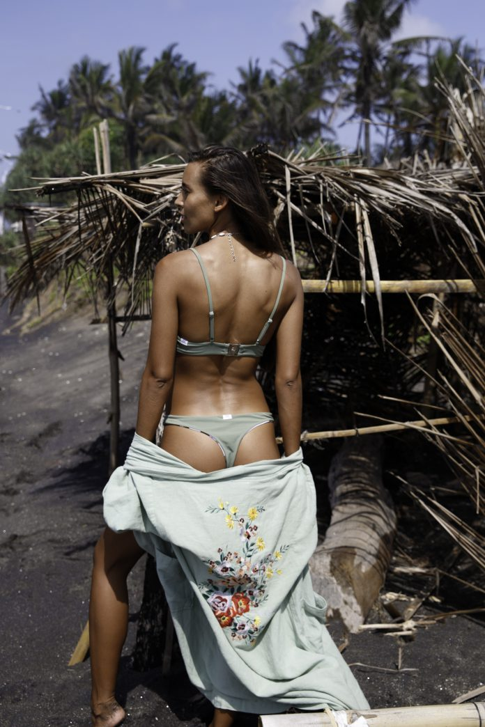 TET bikinitop Lieke bikinibroekje Carly groen